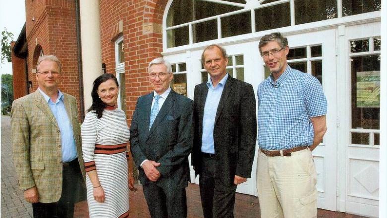 (v.l.n.r.): Friedhelm Freiherr von Landsberg-Velen, Gitta Connemann MdB, Günter Reisner, Fritz Güntzler MdB und Josef Rosche.