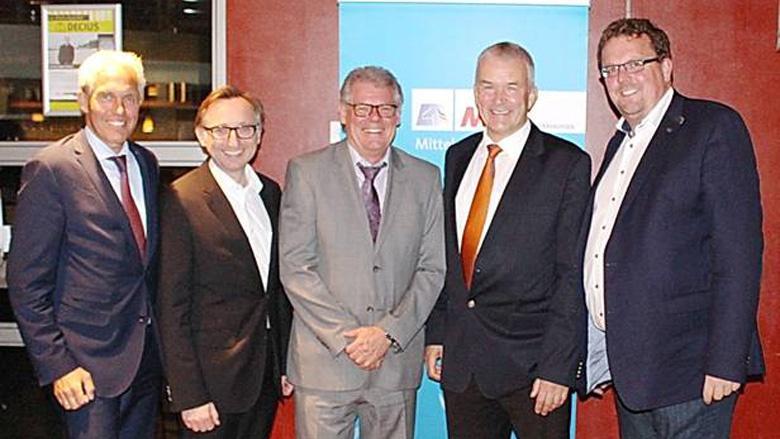 (v.l.n.r.): Lars Becker, Jürgen Michael Scharnbacher, Peter Radke, Peter Pfeiffer und Matthias Mehler.