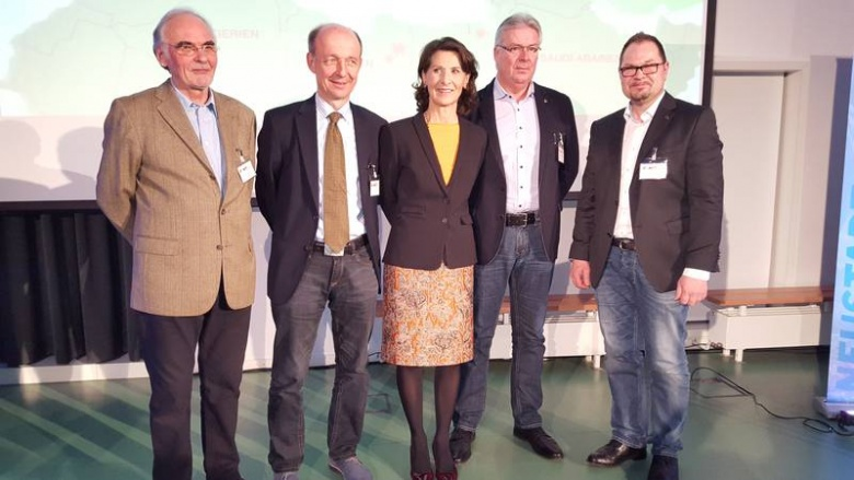 (v.l.n.r.): Richard Hofmeister, Dr. Peter Gerhold, Dr. Antonia Rados, Reinhard Sänger und Marcus Husen. (Foto: Andreas Sobotta, Hannover)