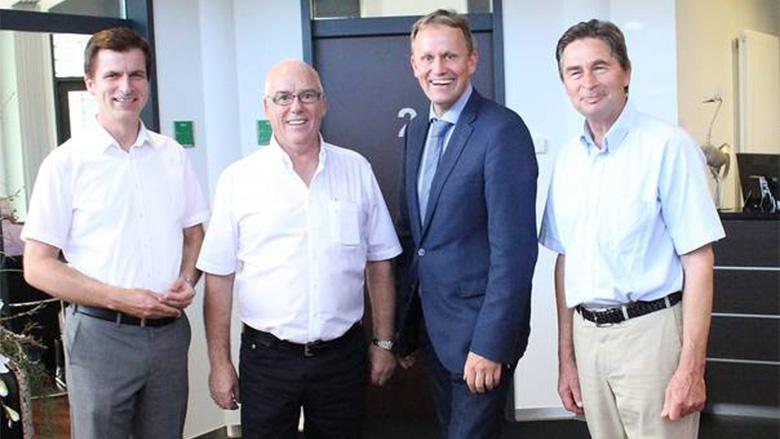 (v.l.n.r.): Dr. André Berghegger, H.-Dieter Klahsen, stellvertretender Landesvorsitzender der Niedersachsen-MIT, Jens Gieseke MdEP, und Dieter Finke-Gröne, MIT-Landesschatzmeister.